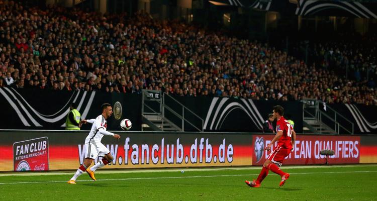 Deutschland – Gibraltar: Sportmarketing-Agentur W-com im Einsatz für den Fan Club Nationalmannschaft