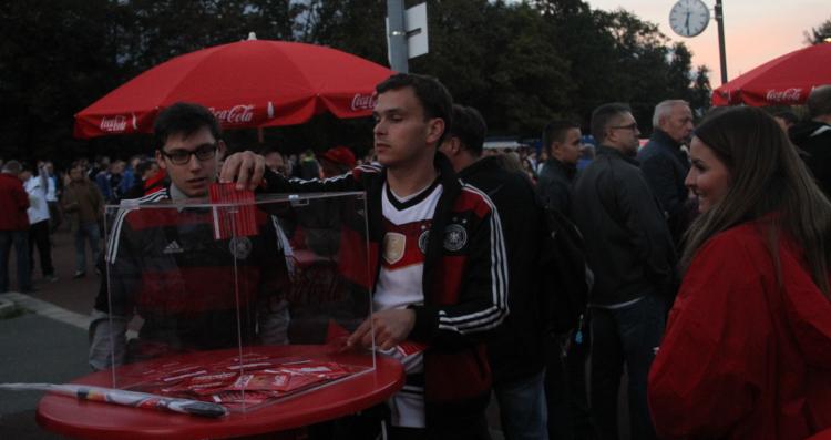 """Sportmarketing-Agentur W-com aktiviert """"Sponsor of the Day"""" für den Kunden Coca-Cola."""