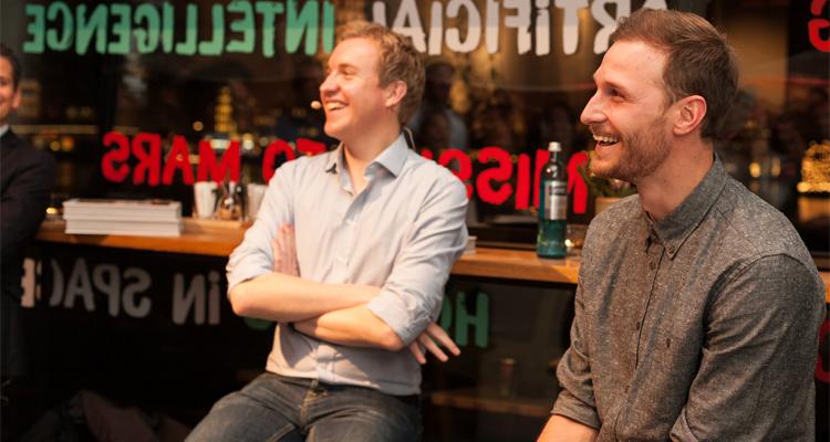 """W-com organisiert einen """"weltmeisterlichen Abend mit Benedikt Höwedes"""" im Mercedes me Store Hamburg."""