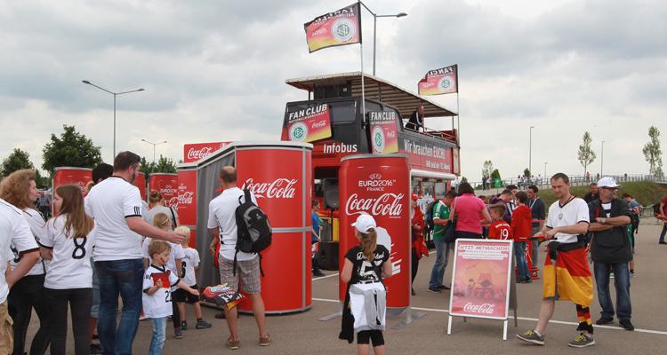 Sportmarketing: W-com für den Fan Club Nationalmannschaft beim Länderspiel Deutschland – Slowakei in Augsburg